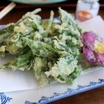 一峰 - 明日葉の天ぷら 420円。
