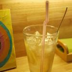 TODDYS - 酢ジュース。ランチでも少しプラスすると飲めるよ。酸っぱーくて美味しい。お好みの味で