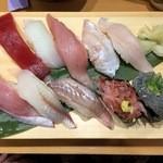 32704819 - 地魚にぎり(1280円)