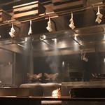 蔵部 - 開店時 ご飯窯炊きでモクモク