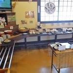 ながいきラーメン食堂 - バッフェ形式の食堂