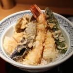 てんぷら 山の上 - 季節の天ぷら、海老2本、ナス