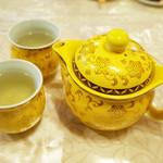 四川家庭料理 珍々 - 四川高級花茶(1000円)