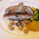 32721623 - 主菜 真鯛のポワレ