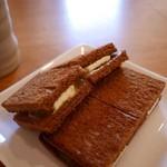 茶米古道カフェ - カヤトースト
