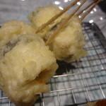 天串と海鮮の店 はれ天 - 鯛・カマンベールしそ巻き