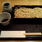 にかい坊 - 汁は、一茶庵元町系・教室のものを、ちょっと甘くした汁。