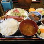 ひだりうま アンド エイワン - ローストビーフ定食¥500-