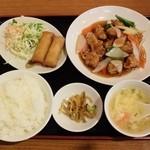 中国料理 晴華 - 酢豚定食800円