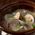 浅利と白蛤の酒蒸し~大葉の香り~