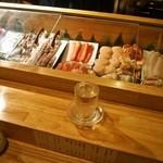 祭寿司 - ネタケースから美味しそうなネタを選ぶ