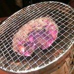 ホルモン焼き いっちゃん   - 炭火焼き