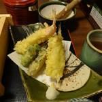 32740043 - 天ぷら(エビ、レンコン、さつまいも、カレイ、マイタケ、シシトウ)