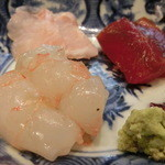 う越貞 - 脂ののった白甘鯛、愛媛の八幡浜より塩して三日目です。       北海道松前の鮪漬け、10日熟成。       100gのボタンエビ、塩して二日目