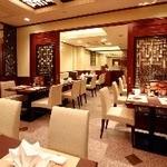 王府井レストラン - 広々とした綺麗な店内。貸切は最大70名様までOK!