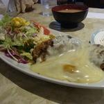 風見鶏 - チーズがたっぷりのったハンバーグ