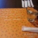 ロクシタンカフェ - テーブルセッティング