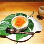 日本料理 幸庵 - 秋田のじゅん菜、オクラ、クリームチーズ、パプリカ、ズッキーニ、白キクラゲ、加減酢のジュレ、トビコ