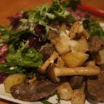 SoleiL - 砂肝とジャガイモ、茸のソテー ルッコラのサラダ仕立て