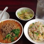花彫酒家 - 半担々麺中チャーハンセット850円