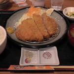 32763816 - H26.11.16 薩摩熟成ロースカツ定食1,480円