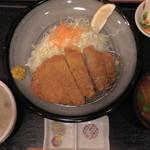32763819 - 薩摩熟成ロースカツ定食(真上)