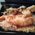 ほっともっと - 海鮮天丼。ぼやけて美味しそうに見え~ん・・。