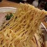 トトロ - 料理写真:支那そば 麺リフト