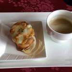 フランス料理 オークヴィル - オニオンスープと,オードブル