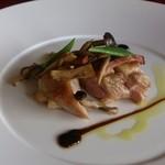 フランス料理 オークヴィル - 肉料理はチキン