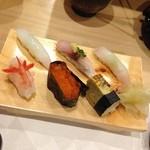 32769678 - 上品なで雰囲気のいいお寿司