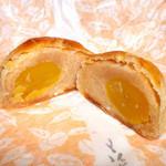 京菓子司 おくやま菓舗 - くり栗パイ。