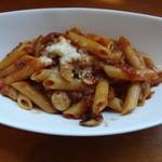 トラットリア ルーチェ - 料理写真:ペンネのボロネーゼ