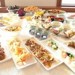 喜瀬ビーチパレス - 料理写真:和洋流が盛りだくさん。