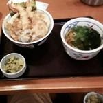 和食さと - にぎわい海老天丼セット 950円