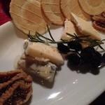 ランタン - チーズ盛り合わせ
