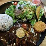 ナユタ食堂 - 煮込みハンバーグプレート