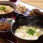 沖縄そばと島豆腐の店 まつばら家 - ゆし豆腐定食