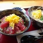 沖縄そばと島豆腐の店 まつばら家 - まぐろ丼(ミニ沖縄そば付)1000円