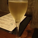 ワイン屋バール - セラボロ・スパークリング・メソッド・シャンパーニュ