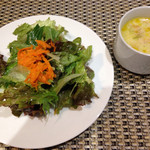 フォンターナ デル ヴィーノ - ランチのサラダとスープ