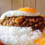 タダカリー - キーマカレー 目玉焼トッピング