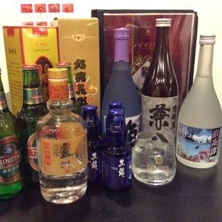 日本のお酒や中国酒など多数ご用意