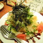 夕焼け飯店 - 刺身クラゲの梅肉サラダ Photo By PEPOPA