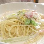 Abete - 白菜ベーコンクリームソース