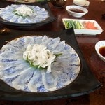 大八寿司 - 温泉トラフグの「てっさ」