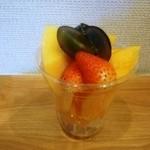 SHUN - 季節のカットフルーツ