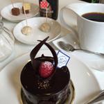 32803477 - チョコレートのケーキ