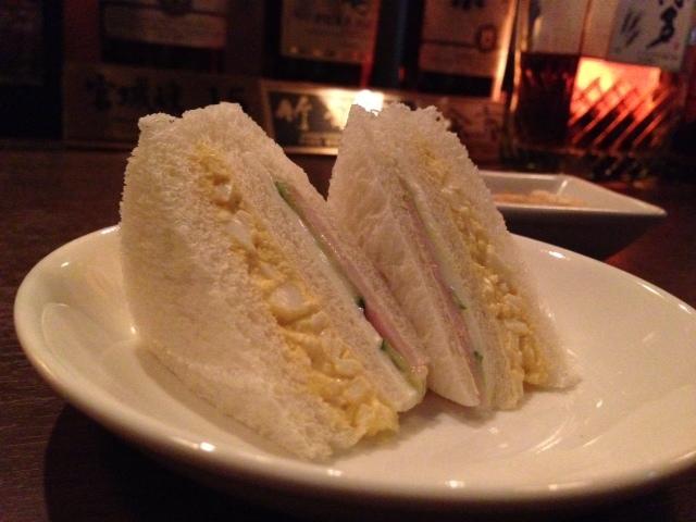 パークモア - ●当然今宵もサンドイッチを食べたのである。