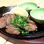 ろく丘 - 厚切り牛タンステーキ